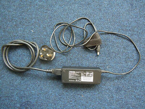 Genuine Toshiba Laptop Charger AC/DC Adapter - PA3755E-1AC3 15V 5A