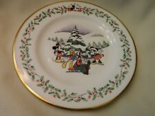 """Lenox Usa Disney Mickey Mouse & Co. """"First Snow"""" Holiday Plate"""