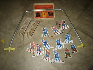 VINTAGE  TIN METAL Rod Hockey Players Montreal & Toronto, goals, bulb scoreboard