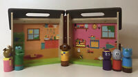 Hey Duggee Wooden Carry Along Clubhouse Includes 6 x Characters