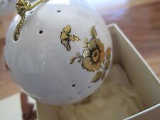 Pomander Woods of Windsor Gold Flower Christmas Ornament In Box-Made In England