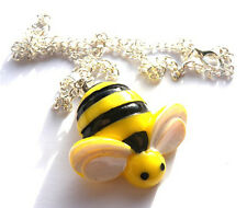 GORGEOUS LARGE BUMBLE BEE PENDANT & NECKLACE + FREE GIFT BAG