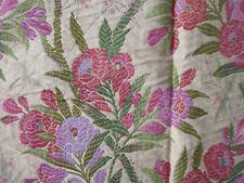 tissu textile ameublement tissage façon tapisserie épais fleurs style 1900