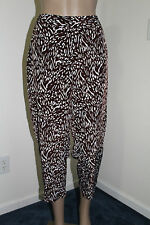 e3df2ce8a99 Liz Claiborne Women s Wide Leg Soft Capri Pants NWT Size SMALL