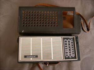 Transistor Radio UdSSR Astrad 302 B-2 mit Leder-Hülle, DDR Radio