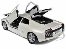 LAMBORGHINI MURCIELAGO PEARL WHITE 1/18 DIECAST MODEL CAR BY BBURAGO 12022