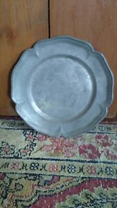 """Antique Early Primitive Scalloped Style Edge Pewter Plate Dark Surface 6.25"""""""