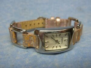 Women's FOSSIL Water Resistant Watch ES1349 w/ New Battery