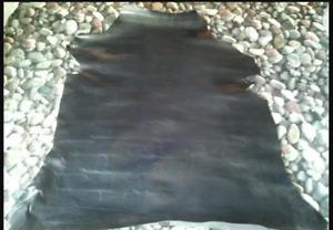Pien teñida en color negro de cabra también conocidas como meztizo. Para manuali