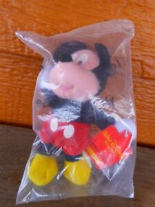 New Sealed Kellogg's Mickey Mouse Mini Beanie Plush Disney 2001
