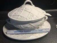 LAUREN Christmas Collection ITALIAN WHITE SOUP TUREEN PLATE LADLE Trellis Design