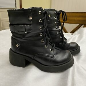 No Boundaries Chunky Combat Boots Size 5.5