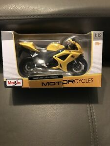 Miniature Motorcycle Suzuki GSX R 600 1/12 Maisto Yellow New in Box
