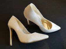 Chockers size 3 (36) white faux leather stiletto heel court shoes