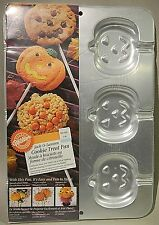 NEW SEALED Wilton 1995 Jack-O-Lantern Pumpkin Cookie Treat Pan Rice Crispy Pop
