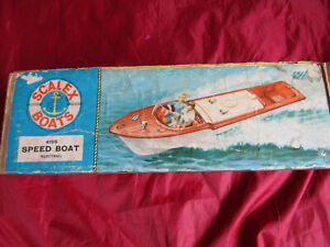 TRI-ANG SCALEX BOATS 415S SPEED BOAT IN ORIGINAL BOX WITH INSTRUCTIONS