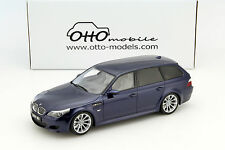 BMW M5 (E61) Touring Baujahr 2007 dunkelblau metallic 1:18 OttOmobile