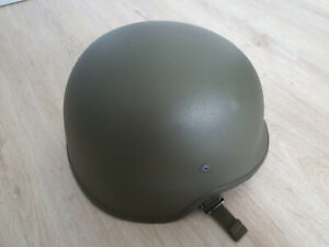 Bundeswehr Kevlar-Helm mit Tarnbezug