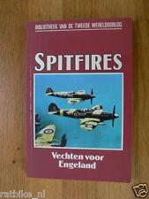 SPITFIRES AIRPLANEBOOK, VECHTEN VOOR ENGELAND,UK, MKII TILL MK-XII,MITCHELL,ROYC
