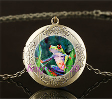 Vintage Jungle Tree Frog Photo Cabochon Glass Brass Locket Pendant Necklace