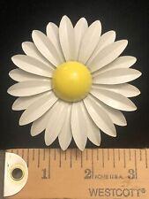 Vintage 60s White Yellow Enamel Daisy Flower Power Brooch Pin Estate Jewelry 3