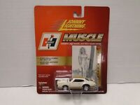 Johnny Lightning 1:64 Muscle Hurst Linda Vaughn 22 050219AMCAR3