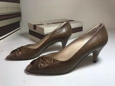 Bruno Magli Italian Pumps Brown Patent Text Leather Heels Pumps Women's 8.5 AAAA