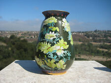VINTAGE BEAUTIFUL CHINESE BRASS GREEN GOLD CLOISONNE VASE FLOWERS DESIGN