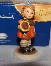 "New ListingGoebel/Hummel ""Girl w/ Sun Flower� #2195 4/0 Tmk-8, Circa 2003/04, Scare Piece!"