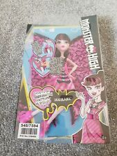 Monster High DNX65 Ghoul to Bat Transformation Draculaura Doll