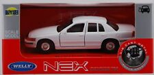 WELLY '99 FORD CROWN VICTORIA WHITE 1:34 DIE CAST METAL MODEL NEW IN BOX