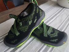 NWOB Boys youth KEEN komono dragon black jasmine green sandal shoe sz 4