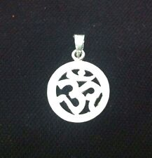 Stylish A+++ Fine Quality 925 Sterling Silver Om / Aum Pendent  For  Gift