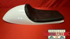 VINCENT WIDE STYLE FIBREGLASS CAFE RACER SEAT FINISHED IN WHITE WITH BASIC PAD