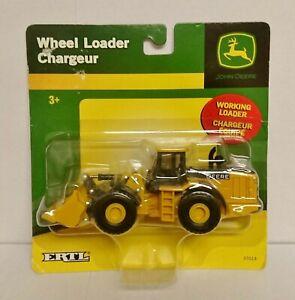 NEW 2020 ERTL 1:64 JOHN DEERE *FFA EDITION* 4960 Tractor *NIP*