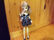 Monster High Frankie Stein Sweet 1600 Doll with Lightning Purse shoes Outfit