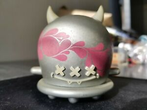 Mindstyle Buff Monster Silver/Pink Series 1