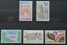 Lot de 5 timbres de France de service neufs** (3) et *(2) UNESCO (lot 2)
