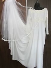 VINTAGE WEDDING DRESS WITH FINGER HELD TRAIN, VEIL, BRAND & SIZE UNKNOWN NEEDS C
