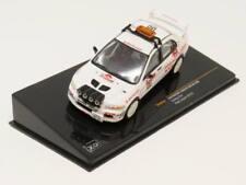 Coches de carreras de automodelismo y aeromodelismo blancos Mitsubishi