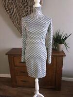 Ladies Size 8 Bodycon Dress Grey White Heart Pattern