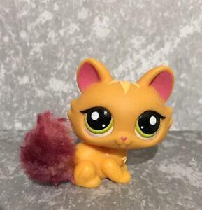 Littlest pet shop Yellow Crouching Cat Kitten Fuzzy Tail  - LPS green Eyes 2576