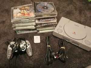 Sony PlayStation Console 1 with 31 games  & Controller