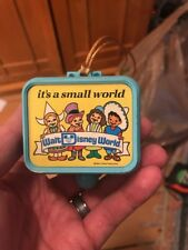 VINTAGE WALT DISNEY WORLD PULL STRING MUSIC BOX ORNAMENT- SMALL WORLD Read Note