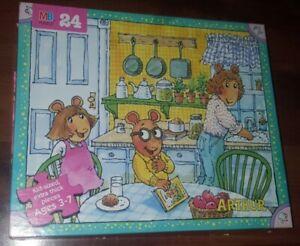 Arthur Marc Brown Kid Puzzle 24 Pieces Ages 3-7 Milton Bradley 1998 DW Kitchen