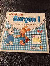 Livre C'est Un Garçon / Les Souvenirs De Ma Premiere Annee / Neuf