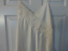 NWT INTIMO DONNA NIGHTGOWN LINGERIE SIZE MEDIUM IVORY/CREAM COLOR VINTAGE