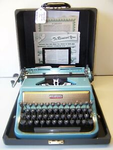 Antique 1956 Underwood Blue/Gold Quite Tab DeLuxe Vintage Typewriter #AD2834365