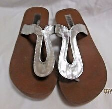 STEVE MADDEN 'Sonya' Silver Flip Flop Sandals Sz 9M EUC