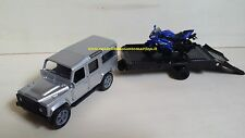 NEW RAY LAND ROVER DEFENDER 110 CON RIMORCHIO MOTO YAMAHA YZF R6 1:43 ART 19817C